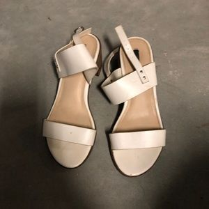 Shoes - White block heal sandal